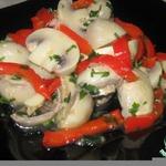 Маринованные шампиньоны с красным болгарским перцем