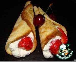 """Рецепт Пирожное """"Рожки со взбитыми сливками и свежими ягодами"""""""