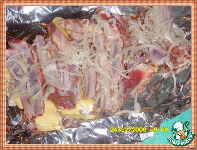 говяжьи ребрышки с картошкой в духовке в фольге