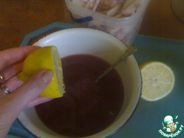 Варить кальмар в соленой воде