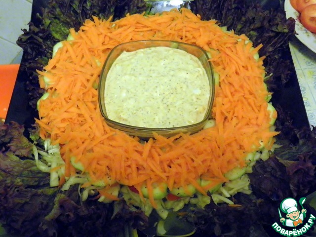 Салат зимний слоями с