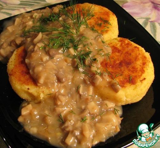 Картошка с грибным соусом