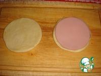 Цветочки из дрожжевого теста с колбасой ингредиенты