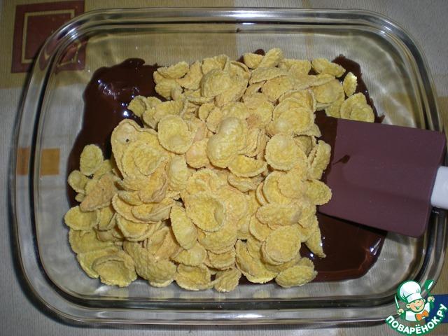 торт из кукурузных хлопьев без выпечки
