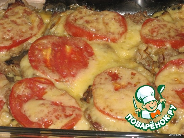 свинина в духовке с картошкой и грибами и помидорами