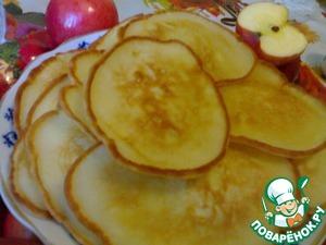 Рецепт Оладушки с замороженными яблоками