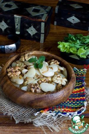 Рецепт Фасоль с жареным луком и орехами
