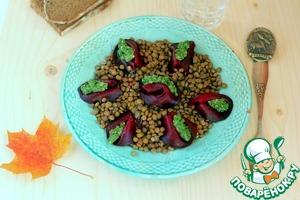 Рецепт Канадский салат из чечевицы с печёной свёклой и зелёной заправкой.