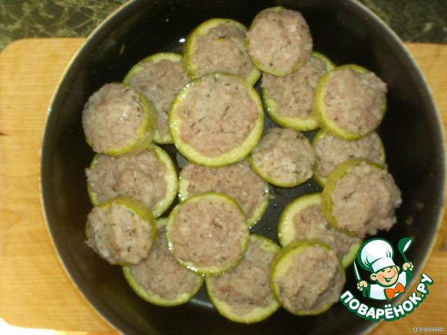 Салат из красной фасоли и копченой колбасы рецепт