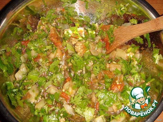 Теплый салат из баклажан