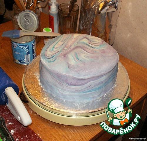 Чем приклеить мастику к торту