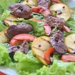 Салат из куриной печени с яблоком