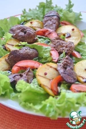 Рецепт Салат из куриной печени с яблоком