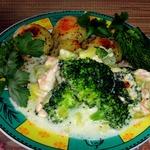 Запеканка из лосося и брокколи