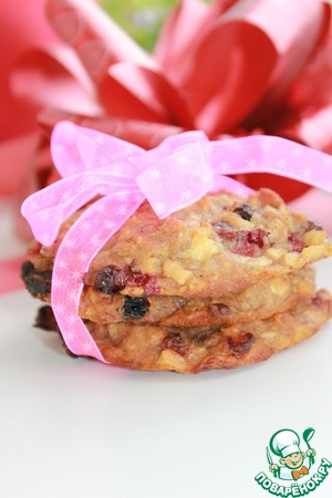 Рецепт Медовое печенье с хлопьями, яблоком, изюмом и брусникой