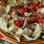 Салат с пекинской капустой, фасолью и гречневой лапшой