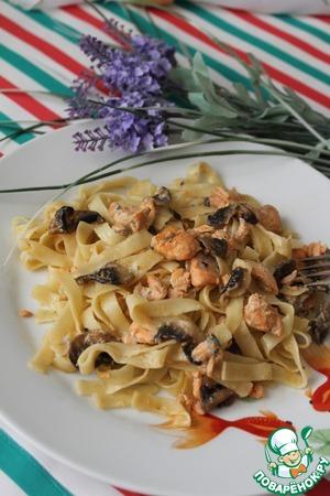 Рецепт Тальятелле с лососем в соусе из сыра с голубой плесенью