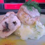 Тефтели с грибной начинкой под грибным соусом бешамель