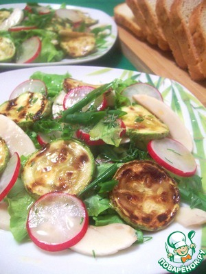 Рецепт Салат овощной со свежими шампиньонами и кабачком