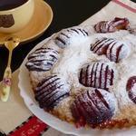 Постный пирог со сливами