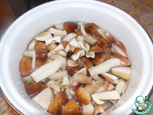 Картошка запеченная с белыми грибами