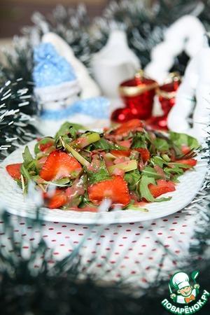 Рецепт Салат из рукколы с клубникой и спаржей