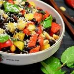 Салат из черной фасоли в азиатском стиле