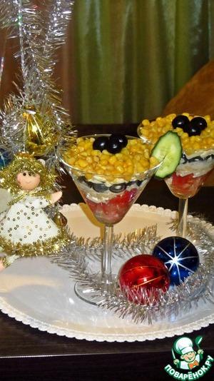 Рецепт Салат Новогодний с помидорами и маслинами