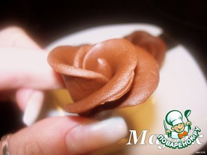 Шоколадная мастика и розочки из неe - получается всегда