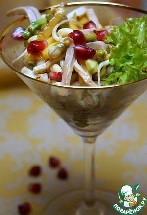 Рецепт Легкий салат с проростками маша и кальмарами