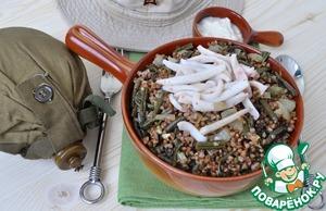 Рецепт Гречка по-камчатски с папоротником и кальмарами