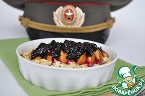 Рецепт Киноа с яблоком и творогом под соусом из жимолости