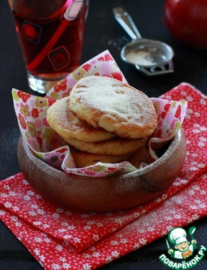Рецепт Итальянские манные оладьи с яблоком и изюмом