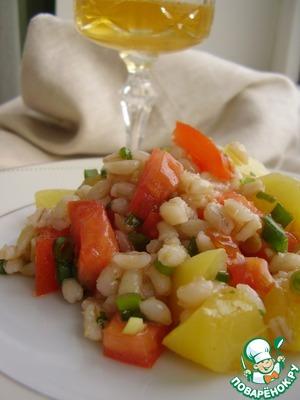 Рецепт Салат из перловой крупы с персиками и помидорами