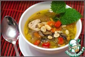 Рецепт Суп куриный с арахисом и шампиньонами