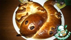 """Рецепт Фигурный пирог """"Змея с разными начинками"""""""