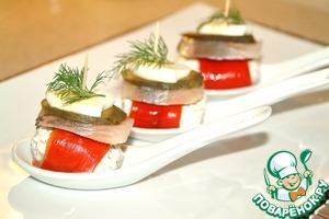 Рецепт Закуска из творожного крема и сельди, с маринованным огурчиком и запеченным болгарским перцем