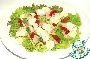 Рецепт Зеленый салат из печени трески с вялеными помидорами и пармезаном
