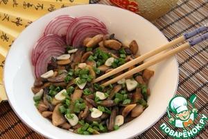Рецепт Тушеные грибы с соевым соусом и чесноком