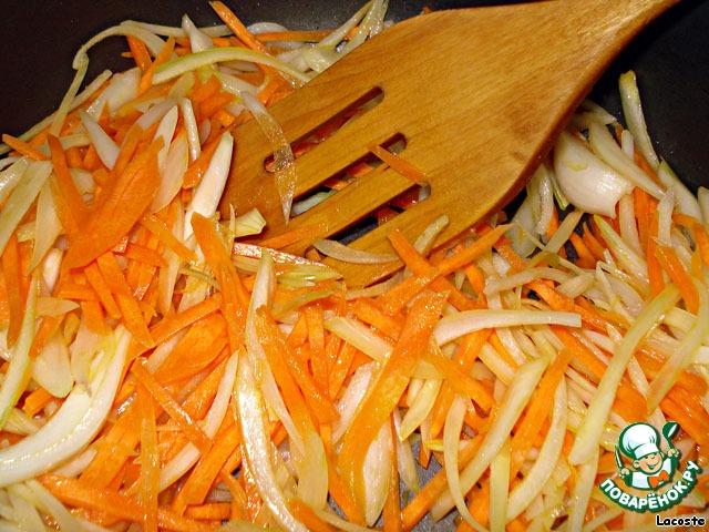 Что приготовить из лука моркови и мяса