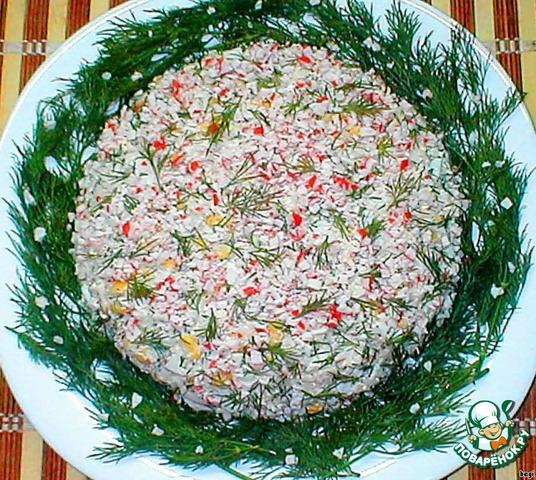 Крабовый салат рецепт с кукурузой и рисом пошагово