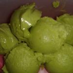 Лимонное мороженое из авокадо без сахара