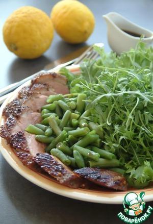 Рецепт Салат из утки со стручковой фасолью и рукколой