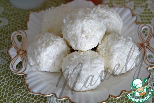 """Десерт творожно-кокосовый с ягодами """"Снежки"""""""