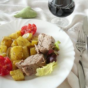 Рецепт Запеченная в корочке из соли свинина с картофельным гарниром