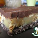 Шоколадно-карамельные пирожные с орехами