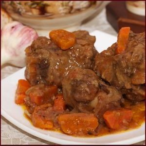 Рецепт Бычий хвост, тушеный с овощами