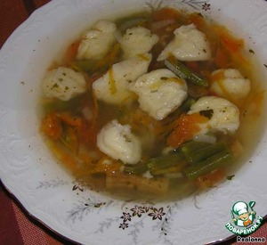 Bean soup with cheese dumplings