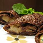 Шоколадные блинчики с карамельными яблоками