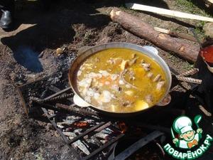 Рецепт Тушеная картошка с свиными ребрышками на костре